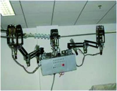 下肢康复机器人图所示为第一代巡线机器人.-未来机器人